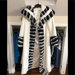 Jackets & Blazers - Faux chinchilla trim white long winter coat